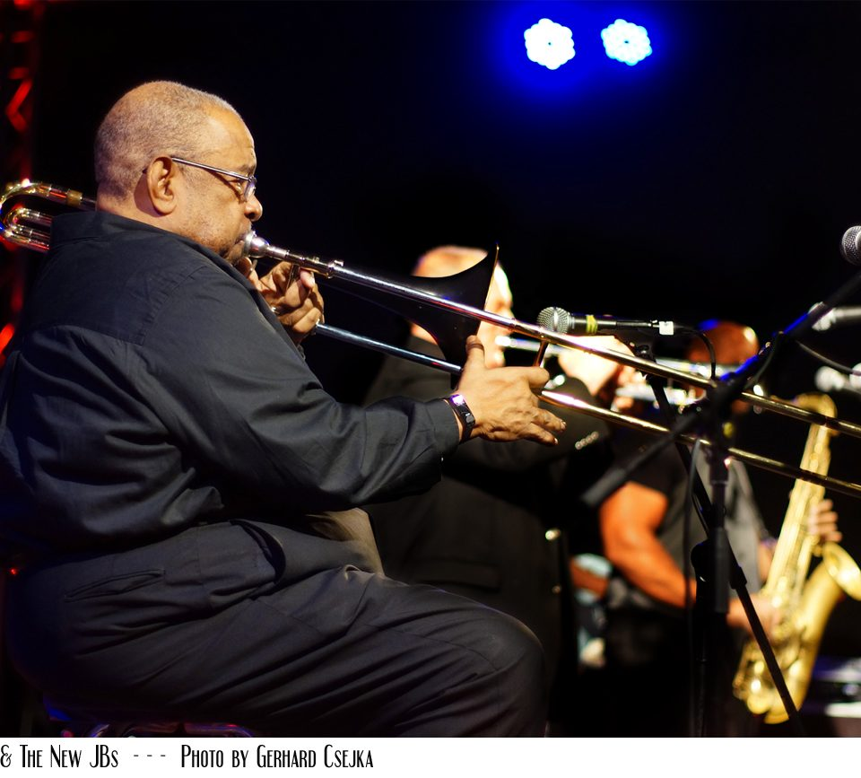Fred Wesley and The New JBs 2017 at Tante Ju – Photo by Gerhard Csejka