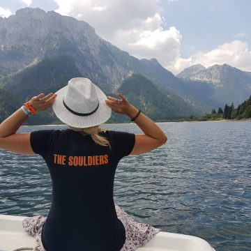 Traveling Soulburys at Lago del Predil with KMH
